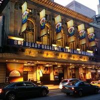 Foto diambil di Lunt-Fontanne Theatre oleh Hope Anne N. pada 3/22/2013