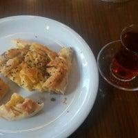 Das Foto wurde bei Altınoğlu Baklava-Dondurma von Belinsu D. am 10/31/2016 aufgenommen
