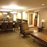 Photo taken at Hilton Newark/Fremont by McBragg on 10/15/2013