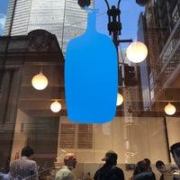 Das Foto wurde bei Blue Bottle Coffee von Momar V. am 9/6/2018 aufgenommen