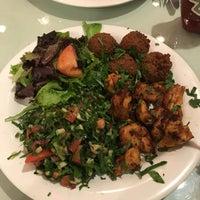Das Foto wurde bei Omar's Mediterranean Cuisine & Bakery von Sina am 12/20/2017 aufgenommen