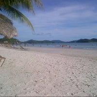 Photo taken at Pantai Cenang (Beach) by Min27 on 4/28/2013