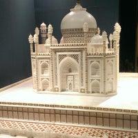 Photo taken at Taj Mahal Restaurant by Gary R. on 12/13/2013