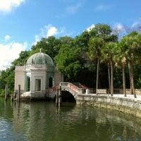 Foto tomada en Vizcaya Museum and Gardens por Andrea F. el 9/20/2012