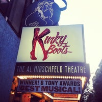 Foto scattata a Kinky Boots at the Al Hirschfeld Theatre da Catherine C. il 6/14/2013