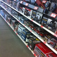 Photo taken at Harbor Freight Tools by RedBone on 11/2/2013