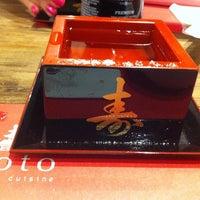 Foto tomada en Soto Asian Cuisine por Fabi C. el 5/21/2014