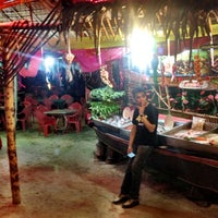 Photo taken at Restoran Pandan by Dave R. on 11/23/2013