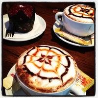 Foto tomada en Estylo Café por Eduardo C. el 10/26/2012
