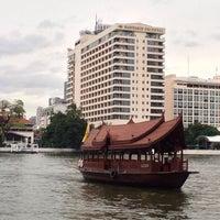 7/24/2013 tarihinde Pharuehat H.ziyaretçi tarafından Mandarin Oriental, Bangkok'de çekilen fotoğraf