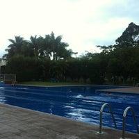 Photo taken at Piscina  Del Colegio De Abogados by Jorge S. on 12/23/2012