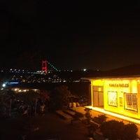 9/16/2012 tarihinde Ekin Y.ziyaretçi tarafından Kanlıca Yakamoz Restaurant'de çekilen fotoğraf