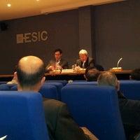 Foto tomada en ESIC Valencia por Esteban R. el 12/13/2012