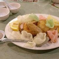 Foto scattata a S. W. Chinese  Seafood And BBQ da Rebecca S. il 2/21/2017