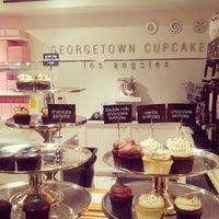 7/28/2013에 Rebecca S.님이 Georgetown Cupcake에서 찍은 사진