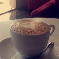Foto tomada en Coffeöl por Nawaf A. el 9/23/2017