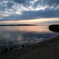 Photo taken at Mangaļsalas Chillspots/Viewplace by Jānis J. on 9/5/2018