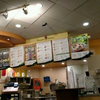 Photo taken at Jamba Juice Bell Towne Plaza by Mike D. on 11/5/2016