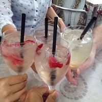 Das Foto wurde bei s'Eck Bier & Wein Bar von Alexander am 8/6/2014 aufgenommen