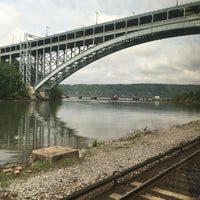 Photo taken at Spuyten Duyvil by Jonathan M. on 5/30/2016