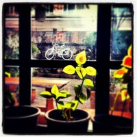 3/3/2013 tarihinde AlexanderSupertrampziyaretçi tarafından Cafe Botanica'de çekilen fotoğraf