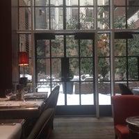 2/16/2014にMuge B.がThe Crosby Barで撮った写真