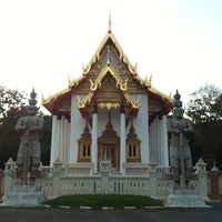 Photo taken at Wat Wachiralongkon Wararam Worawihan by Pisut N. on 12/22/2012