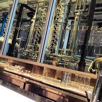 9/4/2013 tarihinde Brian K.ziyaretçi tarafından CH Distillery & Cocktail Bar'de çekilen fotoğraf