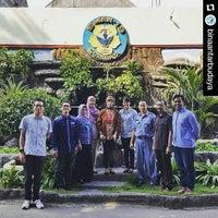 Photo taken at SMA Negeri 19 Surabaya by Anggi S. on 1/21/2016