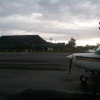 Foto diambil di Bandar Udara Tunggul Wulung (CXP) oleh Kail P. pada 7/19/2013