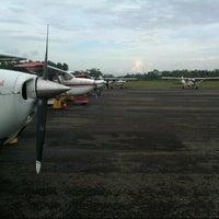 Foto diambil di Bandar Udara Tunggul Wulung (CXP) oleh Kail P. pada 5/17/2013