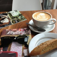 Foto scattata a Ultimo Coffee Bar da james il 6/12/2013