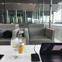 Foto tirada no(a) LATAM VIP Lounge por Toze C. em 2/4/2018