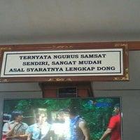 Photo taken at Dinas Pendapatan & Samsat Provinsi Bali by Ardi W. on 11/26/2014