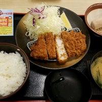 Photo taken at 松乃家 中野店 by Shinichi O. on 8/12/2016