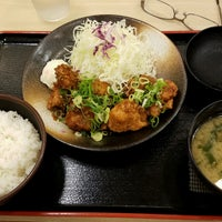Photo taken at 松乃家 中野店 by Shinichi O. on 8/18/2016