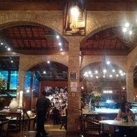 Photo prise au Leona Pizza Bar par Marilia M. le1/6/2013