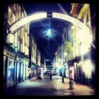 4/25/2013 tarihinde Garzhiaziyaretçi tarafından Carnaby Street'de çekilen fotoğraf