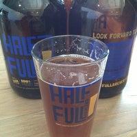 4/6/2013にPorter H.がHalf Full Breweryで撮った写真