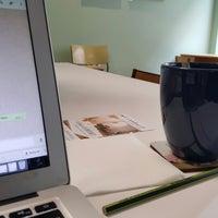 3/3/2017 tarihinde Gina L.ziyaretçi tarafından Coco COFFICE Coworking Café'de çekilen fotoğraf
