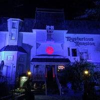 Das Foto wurde bei Mysterious Mansion von Brian G. am 10/26/2016 aufgenommen