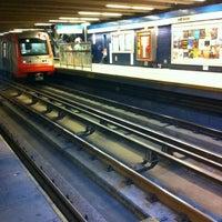 Das Foto wurde bei Metro La Cisterna von Adrian H. am 11/5/2012 aufgenommen
