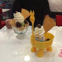 Photo taken at Swensen's by Mamam I. on 10/7/2016