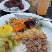 Foto tirada no(a) Melk Restaurante por Talita B. em 2/26/2013