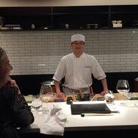 Foto tirada no(a) Sushi Nakazawa por LOYOLEZ em 1/25/2016