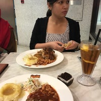 Photo taken at Kenny Rogers Roasters by Hidayah B. on 1/11/2017