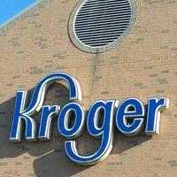 รูปภาพถ่ายที่ Kroger โดย Sheila M. เมื่อ 7/3/2014