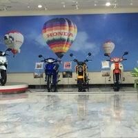 Photo taken at Thai Honda Manufacturing Co., Ltd. by คนเลว ก. on 9/22/2015