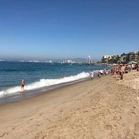Foto tomada en Mantamar Beach Club por Sebastien T. el 1/3/2017