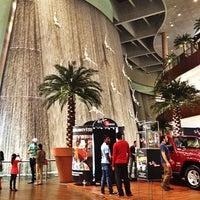 รูปภาพถ่ายที่ The Dubai Mall โดย Dobzi เมื่อ 5/23/2013